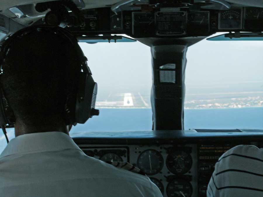 piloot overleeft crash cockpit